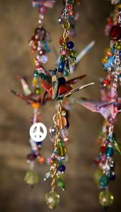 love it, all but the paper birds Origami Paper, Paper Quilling, Origami Cranes, Paper Cranes, Mobiles, Easy Crafts, Diy And Crafts, Origami Mobile, Stained Glass Suncatchers