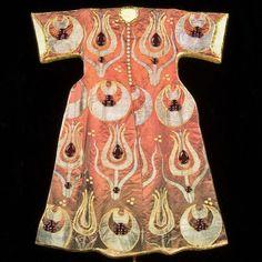 Osmanlı, Giysi Ottoman Clothing And Garments, Kaftan Ottoman Ideas, Ancient Persia, Weaving Textiles, Ottoman Empire, Historical Clothing, Ottomans, Fashion History, Fashion Sketches, Eid
