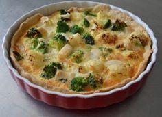 Quiche cu broccoli, conopida si cascaval Mozzarella, Spinach Mac And Cheese, Quiche Lorraine, Broccoli, Bacon, Food Porn, Food And Drink, Pizza, Cooking Recipes