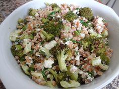 Salada de Farro, feta e brocolis assados