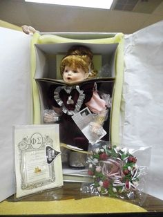 """1997 FayZah Spanos HERSHEY'S KISSES EXCLUSIVE PORCELAIN 16"""" DOLL in ORIGINAL BOX"""