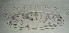 Tablecloth Curtains, Crochet Placemats, Linen Bedding, Diy And Crafts, Embroidery, Verona, Crochet Carpet, Crafts, Crochet Bags