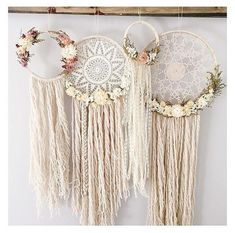 Looking for some cool crafts teens can make and sell for extra cash? ... Check out these cool step by step tutorials for fun room decor, easy DIY gift ideas, fun fashion accessories, school supplies and more.
