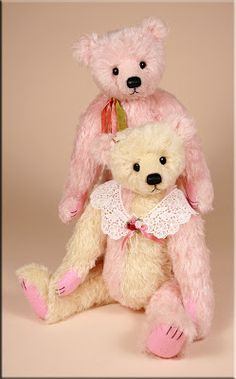 """'Florence and Frederico', a pair of 18"""" teddy bears made by Paula Carter."""
