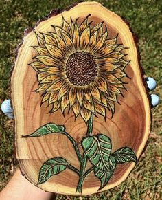 40 Amazing Wood Slice Painting Ideas For Beginners – Wood burning art Wood Slice Crafts, Wood Burning Crafts, Wood Burning Patterns, Wood Burning Art, Wood Crafts, Wood Burning Projects, Into The Woods, Wood Burn Designs, Pyrography Patterns