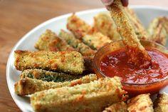 DELICIOUS! Baked Zucchini Fries - {Raisin & Fig} #RaisinandFig recipe here: http://www.raisinandfig.com/baked-zucchini-fries/