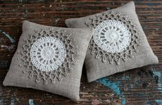 These unique lavender sachets are sewn from linen with a crocheted motif. Sachets contain high quality lavender imported from France (approx. 40 g / 1.5 oz). There are no artificial scents added.  Its calming scent also works as a natural insect repellent. Put it into your closet or lingerie drawer, luggage, under your pillow, next to your bed, bathroom shelf, etc. It is also makes a nice gift.  Each measures approximately 11 x 11 cm / 4.3 x 4.3 inch. Care: Spot clean only  Thanks for…
