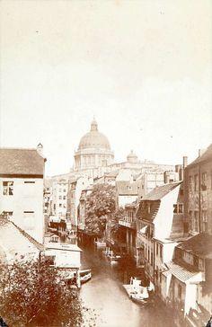 Der Mühlengraben hinter der Brüderstraße um 1865. © Stadtmuseum Berlin | Foto: Leopold Ahrendts