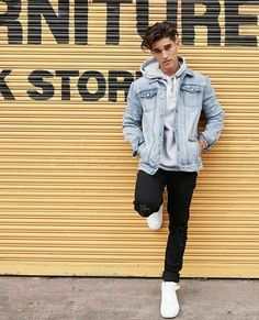 18 ideas photography poses for men ideas outfit - Men's style, accessories, mens fashion trends 2020 Poses Pour Photoshoot, Men Photoshoot, Best Poses For Men, Good Poses, Portrait Photography Poses, Fashion Photography, Photography Lighting, Photography Backdrops, Photography Awards