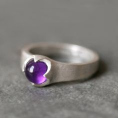 Banded Cab Ring in Sterling Silver with Amethyst - Michelle Chang Silver Jewelry Box, Stone Jewelry, Jewelry Art, Silver Earrings, Jewelry Rings, Jewelry Design, Silver Bracelets, Gold Jewellery, Amethyst Jewelry