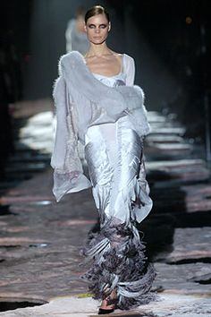 8d450dbb2 51 Best Gucci Fall /winter 2004 images | Ready to Wear, Couture ...
