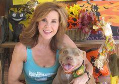 Linda Blair https://sugarpitbulls.wordpress.com/2015/03/17/mulheres-famosas-e-pitbulls-2/