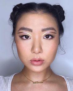 "Par-Asian 🇫🇷🇨🇳🇨🇦 no Instagram: "".Products used ✨ @algenist reveal foundation in shade light/medium @morphebrushes 8W blush, 8L sculp & shimmer palettes @motivescosmetics…"" Eyeliner Looks, Light Shades, Makeup Yourself, Blush, Make Up, Instagram, Shake, Makeup Ideas, Foundation"