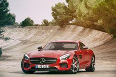 mercedes-benz AMG GT 4.0 liter V8 biturbo engine unleashes 463 hp