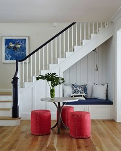 20 Incredibly cozy book nooks you may never want to leave! 20 Incredibly cozy book nooks you may never want to leave! Staircase Storage, Stair Storage, Staircase Design, Interior Design Under Stairs, Stair Design, Under Stairs Nook, Living Room Under Stairs, Cozy Nook, House Stairs