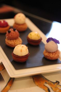 Plaza_Athenee-Paris-Suite_Eiffel-361-Room-Aperitif-Sweet_until_the_end-cake