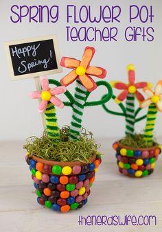 Spring Flower Pot Teacher Gifts with Starburst and Skittles #VIPFruitFlavors #Shop