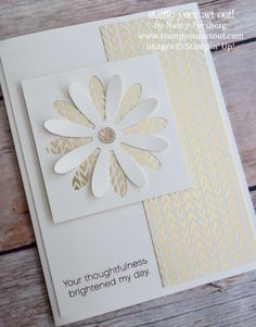 Guest blogger, Nancy Forsberg shares her Fun & Fancy Daisy card that she CASED from Sue Lehrer… #stampyourartout - Stampin' Up!® - Stamp Your Art Out! www.stampyourartout.com