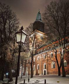 "Nina Nieminen on Instagram: ""#citywalk #cityphotography #cityview #cityvibes #turkucathedral #citylights #visitturku #kissmyturku #loveturku #helloturku #winter…"" Turku Finland, Helsinki, Mansions, House Styles, Instagram, Manor Houses, Villas, Mansion, Palaces"