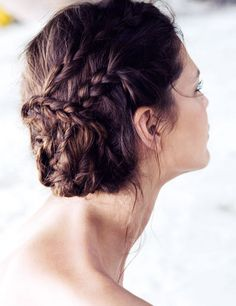 Express hairstyle: Braid tied up Unique Hairstyles, Summer Hairstyles, Pretty Hairstyles, Braided Hairstyles, Wedding Hairstyles, Braided Updo, Hairstyle Braid, Amazing Hairstyles, Messy Bun With Braid
