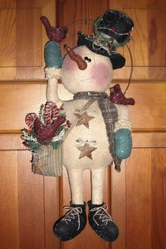Snowman with cardinals pattern (wall hanging / door greeter) - now available as an instant download.