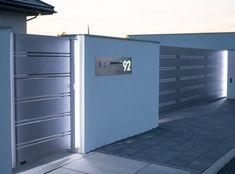 Oświetlenie liniowe Gate Wall Design, House Fence Design, Front Gate Design, Gate Designs Modern, Narrow House Designs, Modern Fence Design, Front Elevation Designs, Big Doors, Boundary Walls
