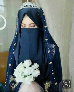 Resepsi Teh Shannaz Makeup and hijab syar'i as requested A very natural eyebrow, wihtout browtrimming and fake eyelashes Muslim Wedding Gown, Muslimah Wedding Dress, Hijab Style Dress, Pakistani Wedding Dresses, Pakistani Bridal, Bridal Dresses, Indian Bridal, Niqab Fashion, Street Hijab Fashion