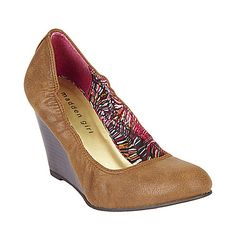 Looking for a pumps that's close to my skin tone is kind of hard but I think I came pretty close with these Steve Maddens Cognac Paris wedges. I guess I have to search for cognac color shoes to get the closet to my skin tone :/