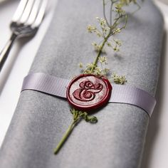 If you use a seal stamp on your invitation, it's a fun detail to repeat. ampersand wax seal stamp by sophia victoria joy Wedding Napkins, Wedding Favours, Wedding Napkin Rings, Wax Seal Stamp, Decoration Table, Decorations, Wedding Styles, Our Wedding, Stationery