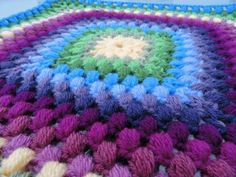 Hawaiian Granny Square Pattern (crochet) - gonna have to like pineapple stitches.  :-)