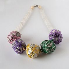 Tutorial how to make necklace with newspaper!