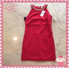 The Gold chains accent this Red MK dress perfectly! NWT sz4P