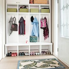 Hall d'entrée: à chacun son compartiment! - Hall d'entrée - Inspirations - Décoration et rénovation - Pratico Pratiques