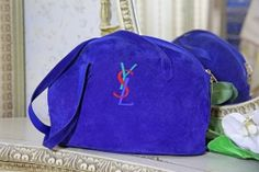 Blå Mockaväska från Yves Saint Laurent - La Reine Inredningar Ysl, Fashion Backpack, Yves Saint Laurent, Saints, Baseball Hats, Designers, Womens Fashion, Bags, Accessories