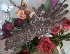 10 Best Bridal Mehendi Designs Inspirations