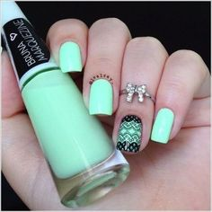 Stylish two tone mint and black accent lace nails