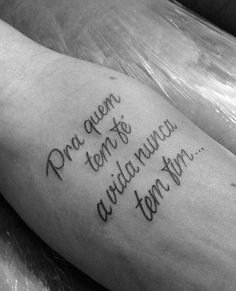 Dc Tattoo, Belle Tattoo, Tattoo Shows, Frases Para Tattoo, Tatoos, Tattoo Quotes, Forearm Tattoo Quotes, Tattoo Neck, Tattoos Of Wolves