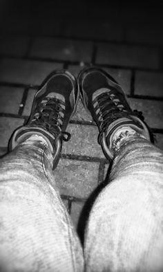 Nie wszystko jest idealne. Jedni mają zawiązane buty ale z dziurą, a niektórzy rozwiązane i bez dziury.