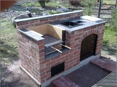 "Exceptional ""built in grill patio"" information is readily available on our internet site. Check it out and you wont be sorry you did. Diy Grill, Barbecue Grill, Grilling, Barbecue Design, Brick Bbq, Built In Grill, Summer Kitchen, Outdoor Kitchen Design, Kitchen Decor"