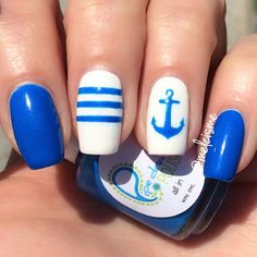 Perfect for summer! Nautical design by Instagram user Melcisme #anchor #summernails #nauticalnails #anchor #pipedreampolish