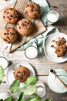 Bakery Style Chocolate Chip Muffins flavored with melted dark chocolate, brown sugar, and chocolate chips! Food Flatlay, Simple Muffin Recipe, Homemade Muffins, Semi Sweet Chocolate Chips, Chocolate Chip Muffins, Food Photography, Cupcake Photography, Baking Chocolate, Chocolate Cups