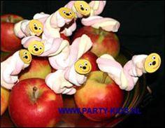 Rupsje Nooitgenoeg appel met spekje - Traktatie snoep, Traktaties - En nog veel meer traktaties, spelletjes, uitnodigingen en versieringen voor je verjaardag of kinderfeest op Party-Kids.nl
