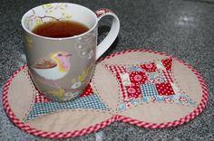 Kaffeepause gefällig? Mug Rugs selber machen - Nähen - Handarbeiten - Magazin - TOPP Kreativ