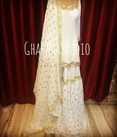 Georgette Gharara in White & Golden combination. Pakistani Party Wear, Pakistani Couture, Pakistani Outfits, Indian Outfits, Stylish Dresses, Stylish Outfits, Gharara Designs, Types Of Dresses, Indian Designer Wear