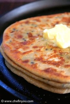 Mooli Paratha Recipe - Popular Indian flatbread stuffed with peppery grated radish and radish greens. Nutritious, filling and especially warming during winter mornings. *use buckwheat flour to make gluten free GF Daikon Recipe, Roti Recipe, Indian Flat Bread, Indian Breads, East Indian Food, Paratha Recipes, Radish Recipes, Radish Greens, Punjabi Food