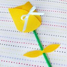 tarjeta del Día de la Madre en forma de flor: