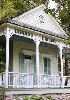 Southern Style: Haint Blue Porch Ceilings on the New Orleans Northshore - TrippaLuka Style Exterior Paint Colors, Paint Colors For Home, House Colors, Haint Blue Porch Ceiling, Southern Style Homes, Louvered Shutters, Victorian Porch, Porch Paint, Porch Addition
