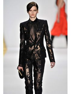 This J. Mendel look from NYFW Fall/Winter 2013 reminds us of the rusticated finishes of the Olive Branch collection