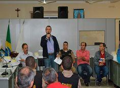 Em reunião, Arantes discute segurança em Jacuí http://www.passosmgonline.com/index.php/2014-01-22-23-07-47/regiao/10668-em-reuniao-arantes-discute-seguranca-em-jacui