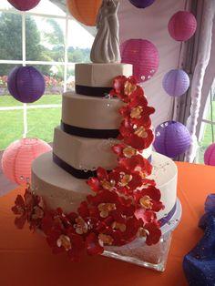 Hexagon wedding cake #blondiesbakery